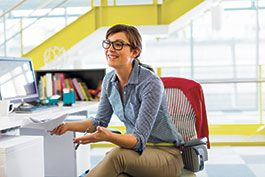 sm-20130131_WOMAN_AT_DESK-596.jpg