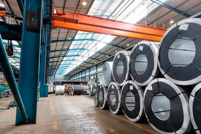 Ein HPE Edgeline EL1000 Converged Edge System in der Stahlverarbeitung