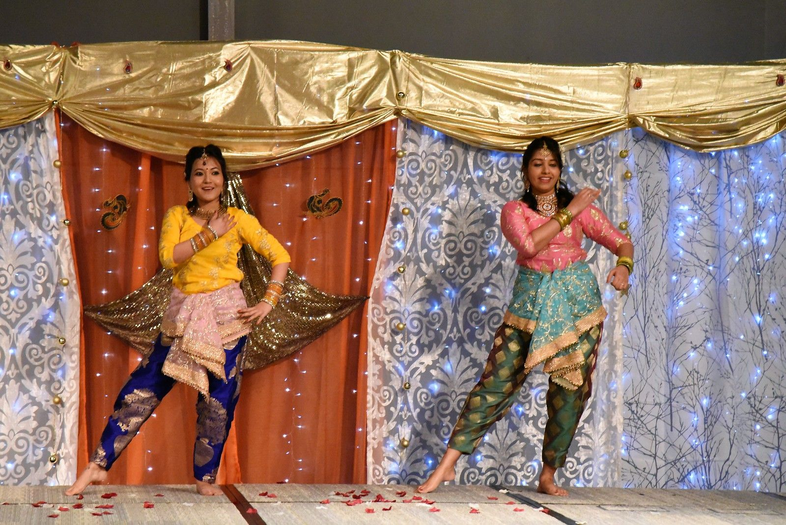 Traditional Indian dancing performance by HPE employees
