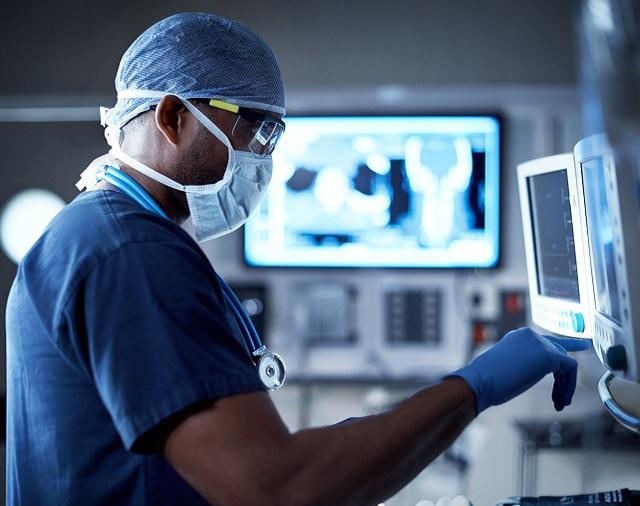 hpe-simlivity-healthcare-m.jpg