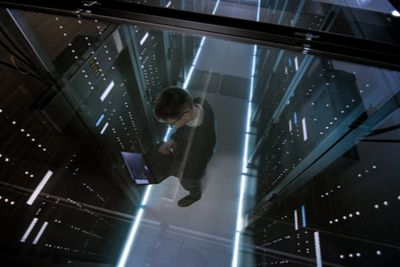 HPE OneView 5.2-saves-time-via-simplicity.blog.jpg