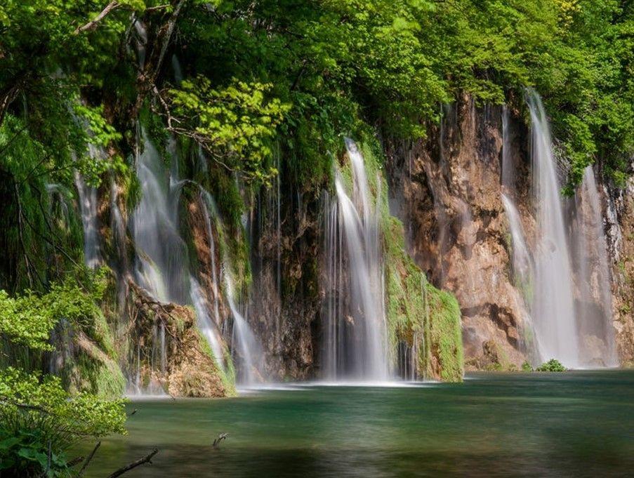 GreenLake 40 multiple waterfalls.jpg