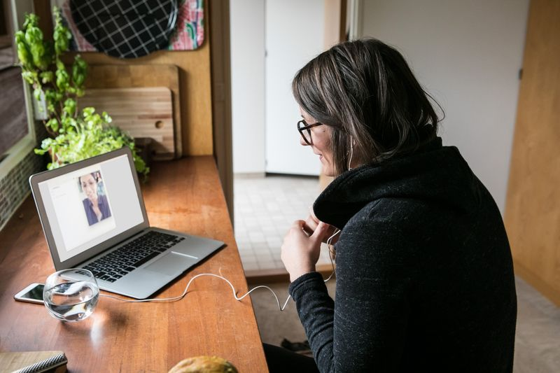 How business leaders keep remote workers connected, secure and productive - Cover Image