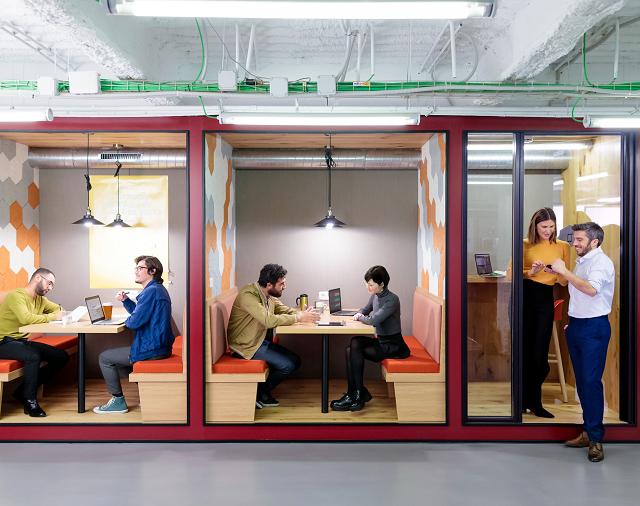 moc-hybrid-workplace-m.png