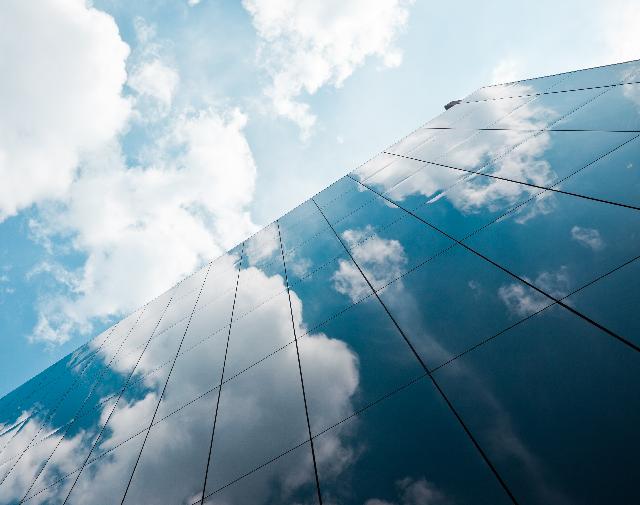 off-prem-hybrid-cloud-rebalance-m.png