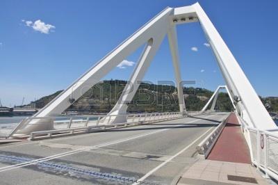 Barcelona Bridge.png