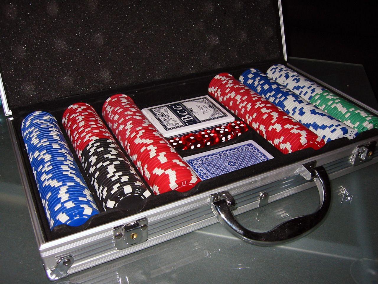 Poker_chips.jpg