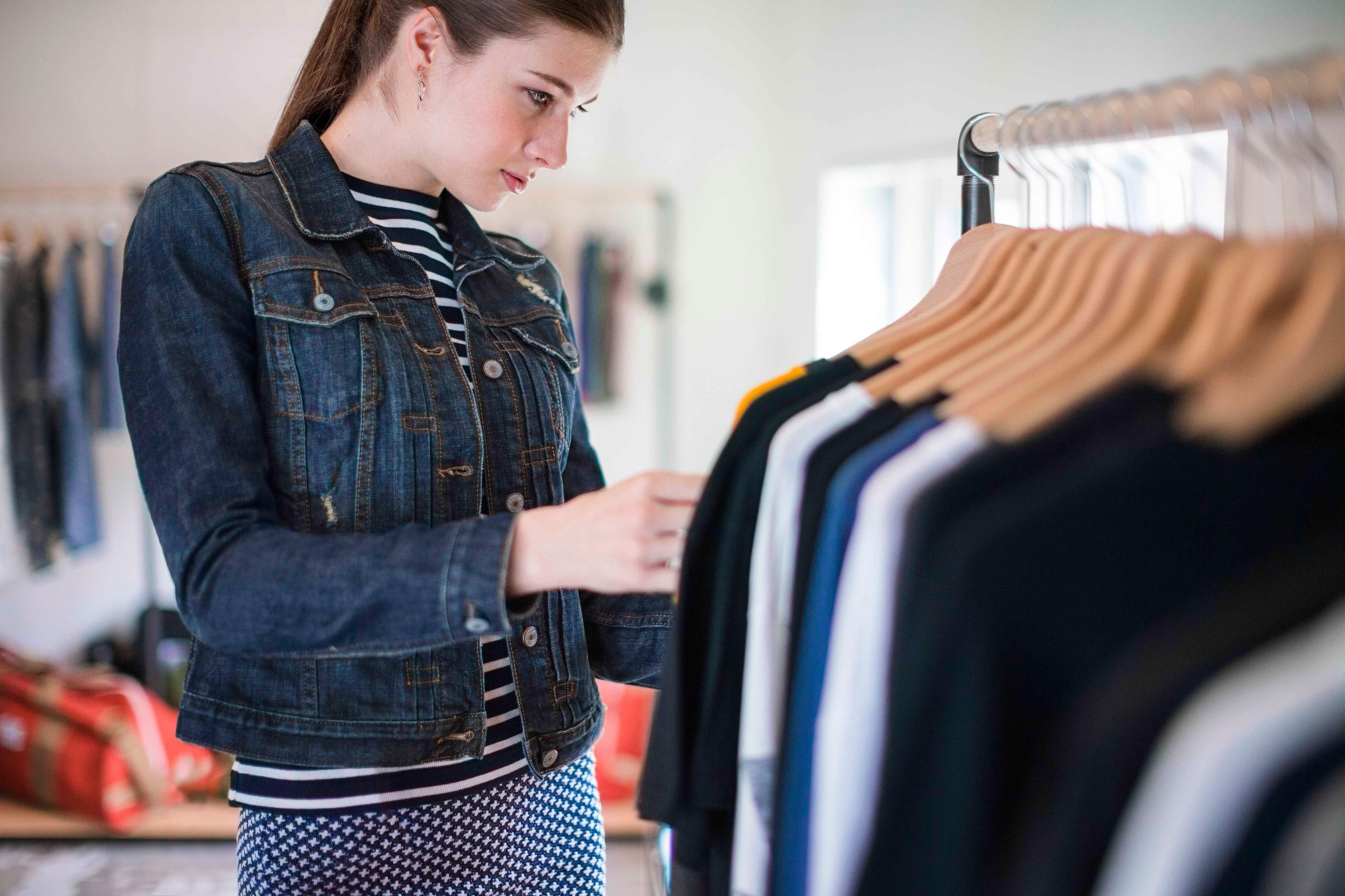 Retail Customer Experience - customer behaviors.jpg