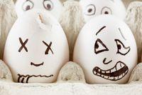 bigstock-Egg-is-scared-as-it-sees-dead--19390769.jpg