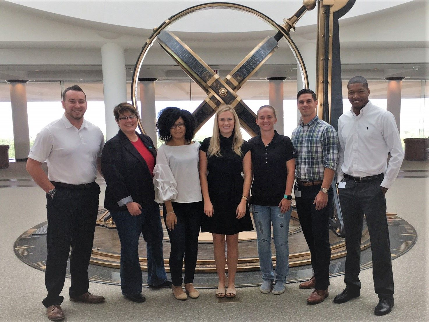 Four (4) recently transitioned veterans @ HPE with their teammates in Plano, TX