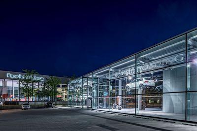 Konzernschaufenster-Porsche-by-FOTO-FLAUSEN (2).jpg