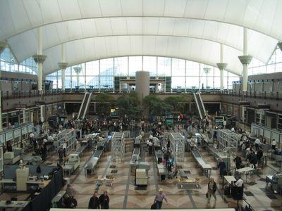 Denver_International_Airport_security