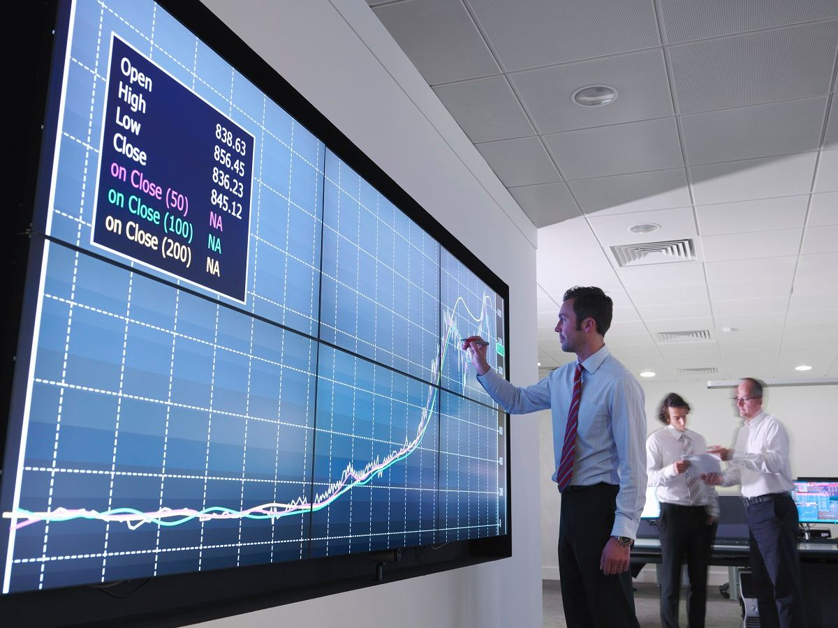 HPE20160512223 financial trading giant touchscreen 1200 x 900.jpg