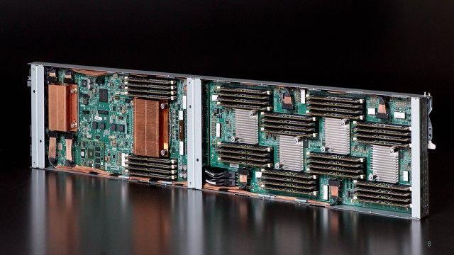 プロトタイプのノード コンピュート部分とメモリプールが見て取れる