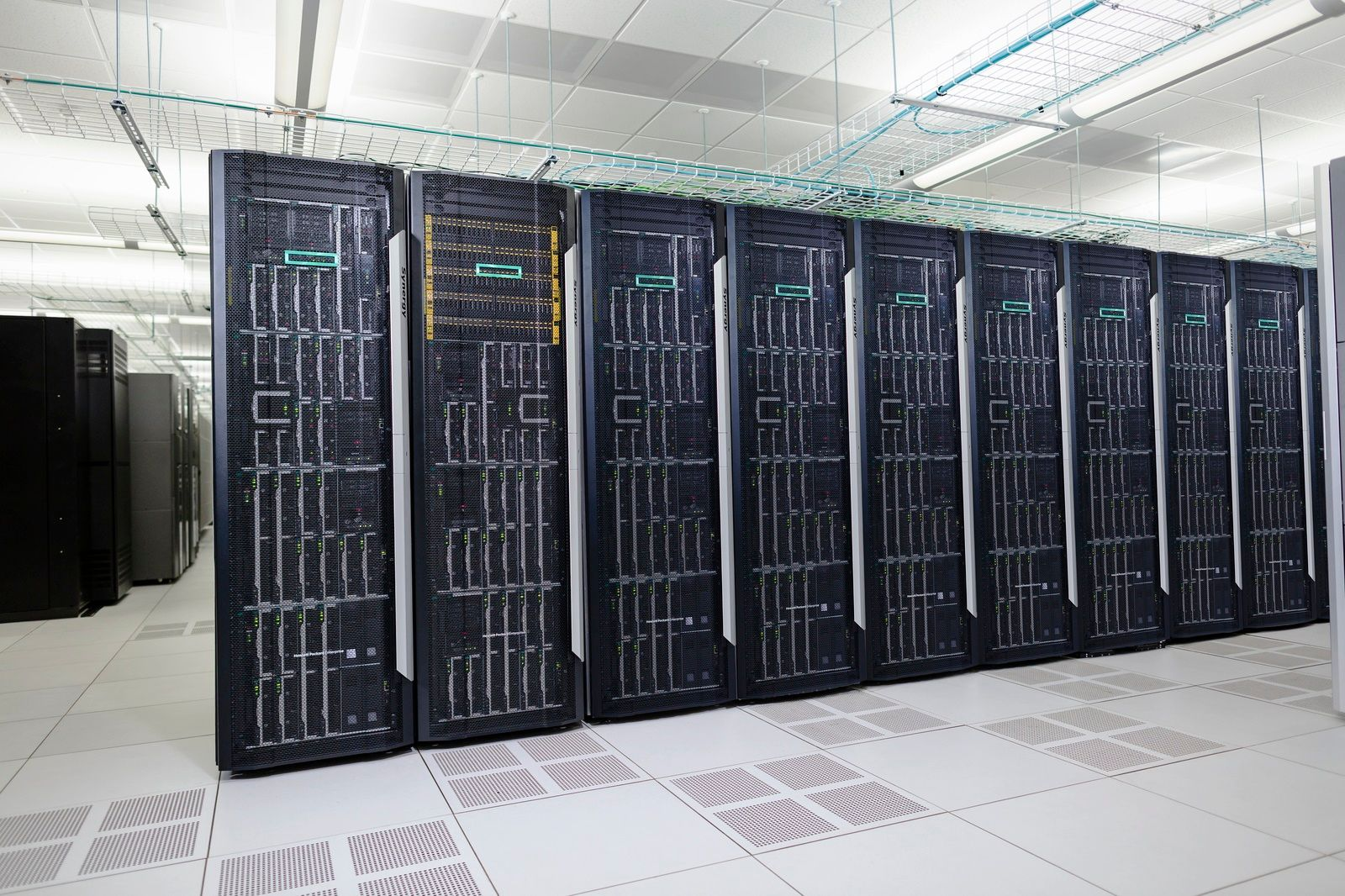 HPE Server Room - 10 facts that show Hewlett Packard Enterprise is the undisputed leader in the worldwide server market.jpg