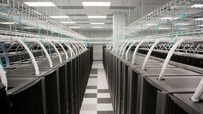HPE-Brings-Artificial-Intelligence-to-the-Data-Center-1400x787.jpg